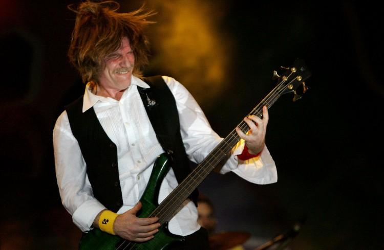 Em uma de suas primeiras apresentações solo, Humberto Gessinger se apresenta em Teresina, no Piauí, em 2008  - (foto: 05.jul.2008 – Sebastião Bisneto/Folhapress)