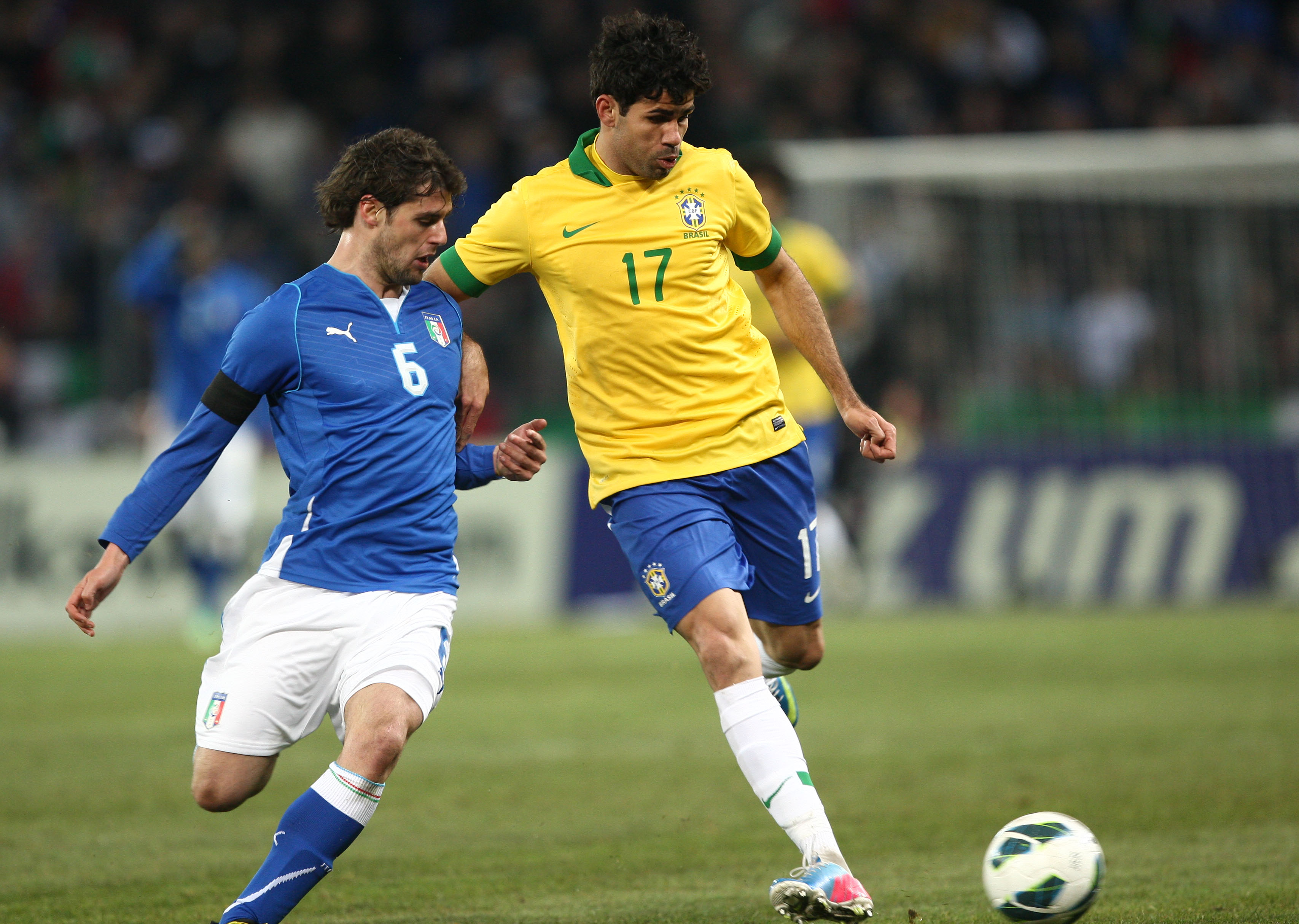 2013  Diego Costa jogou 40 minutos pela seleção brasileira – Acervo ... e7fae15c89b81